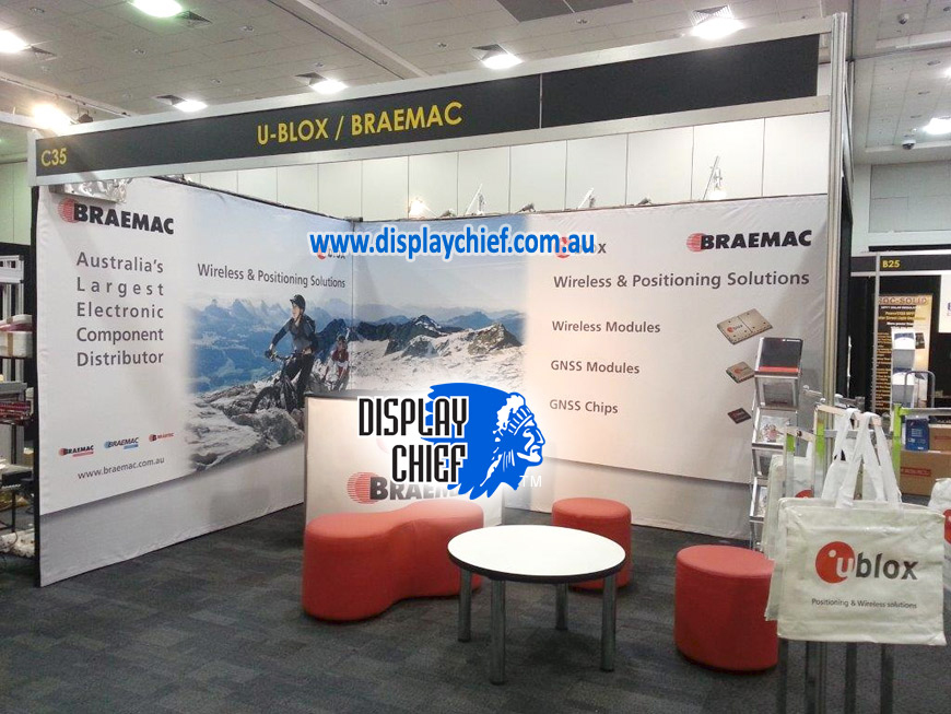 Exhibition Wall with printed logo and cyclist mountain images, this flexible banner sign wall give the client a great result. See recommendation
