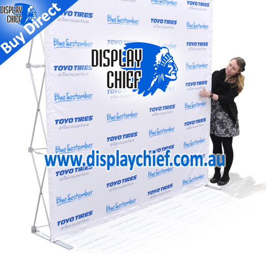Woman looking at the pop up display. The logo Toyo and Blue September are repeated. Very cheap to buy this brand of pop up display